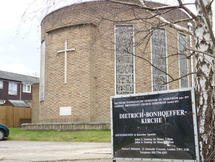 London_Dietrich-Bonhoeffer-Kirche